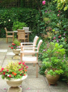 Coombe House care home garden